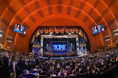 'Broadway está de vuelta' con los premios Tony tras 18 meses de pandemia