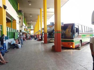 Reportan aumento de pasajeros en la Terminal de Ómnibus de Asunción durante el feriado largo