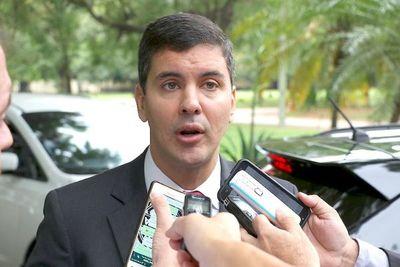 """Economía crece, pero """"en el bolsillo y el estómago de la gente todavía se siente una crisis muy profunda"""", lamenta Peña"""