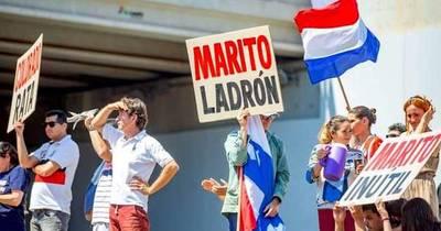 La Nación / Frustración de adherentes y burlas en redes sociales generó la marcha a favor de Miguel Prieto