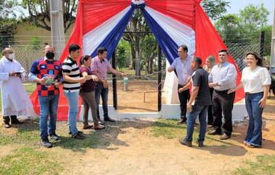 Inauguran importantes obras en Teniente Rojas Silva