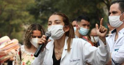 La Nación / Médicos garantizan atención en urgencias durante huelga de 14 días