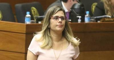 La Nación / Denuncia de Kattya González es de tinte político, dicen constitucionalistas
