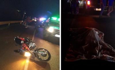 Estrepitosa caída deja un motociclista muerto y otro muy herido