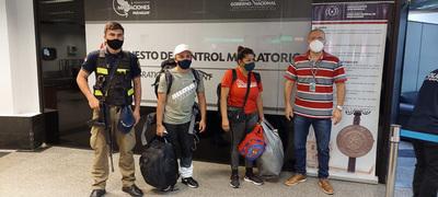 Detienen a extranjeros que ingresaron de forma irregular por el Puente de la Amistad