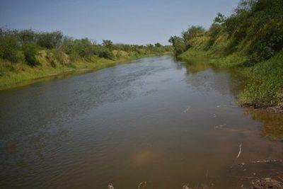 Río Pilcomayo repunta luego de lluvias registradas en Bolivia