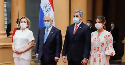 Abdo y Piñera se reúnen en Palacio de Gobierno