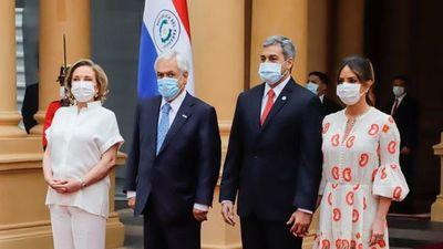 Presidente de Chile anuncia nueva donación de 100.000 vacunas más