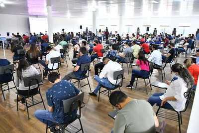 Postulantes denunciaron irregularidades en resultados de exámenes para cargos en Itaipu