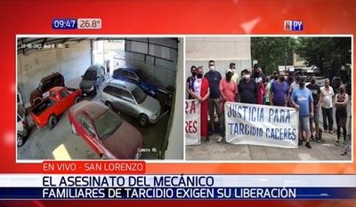 Familiares de detenido por crimen de mecánico piden liberación