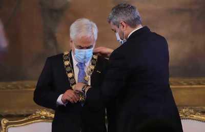 Estado paraguayo otorgó Orden Nacional del Mérito al presidente de Chile