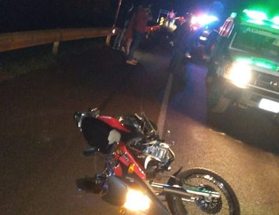 Motociclista fallece tras aparatosa caída
