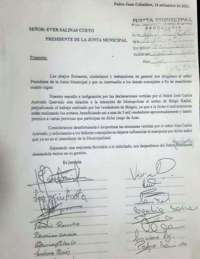 Repudio total de vendedores de bingos radiales tras declaraciones burlonas del intendente José C. Acevedo