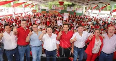 La Nación / Cartes reivindica fuerza colorada ante los ataques de la oposición