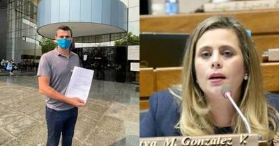 La Nación / Presentan pedido de pérdida de investidura de la diputada Kattya González