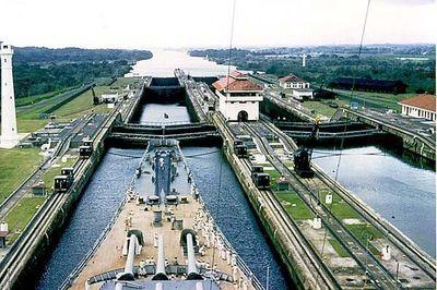Canal de Panamá prevé aporte fiscal récord de 2.497,2 millones de dólares