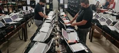 Ultiman preparativos para distribuir kits electorales a los locales de votación