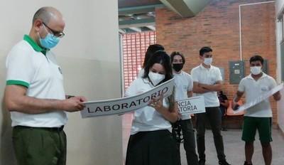 Estudiantes secundarios desarrollan proyecto en hospital regional