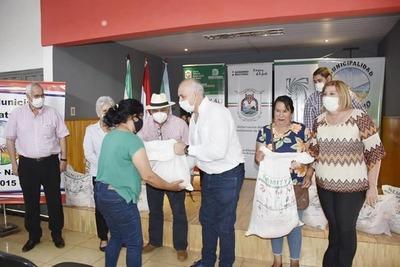 ENTREGAN GRANOS DE SIEMBRA DE AUTOCONSUMO Y CORRECTIVOS AGRÍCOLAS A PRODUCTORES DE NATALIO