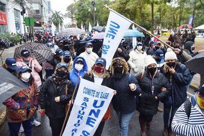 Docentes inician hoy huelga indefinida y dejan a más de 1.200.000 alumnos sin clases
