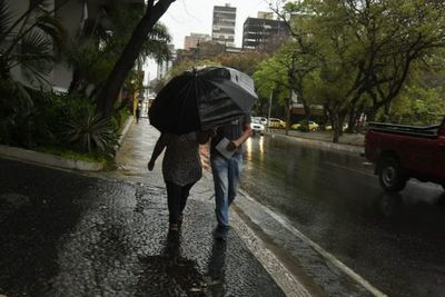 Lluvias y tormentas se esperan para toda la jornada del viernes