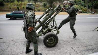 """Maduro anuncia ejercicios de las Fuerzas Armadas para """"probar su capacidad"""""""