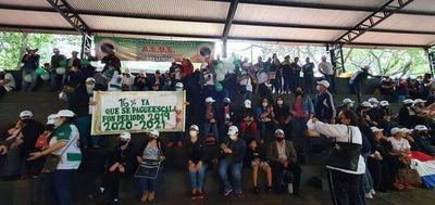 Docentes se movilizan en varios puntos del Alto Paraná
