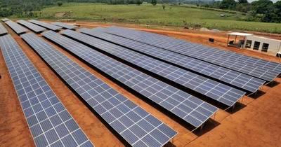 La Nación / La Ande lanzó el llamado para la construcción de la primera planta de energía solar