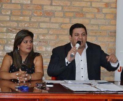 Dos candidatos liberales abandonan a su intendentable y anuncian apoyo a Miguel Prieto