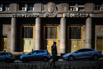 La recaudación tributaria argentina subió en septiembre un 61 % interanual