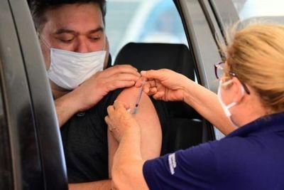 Salud informará el lunes sobre la continuidad del plan de vacunación