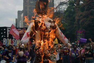 La izquierda y el centro se unen por primera vez en marchas contra Bolsonaro