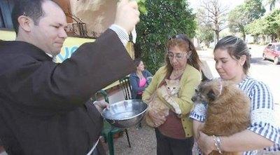 Crónica / Capuchinos comenzaron a bendecir a las mascotas