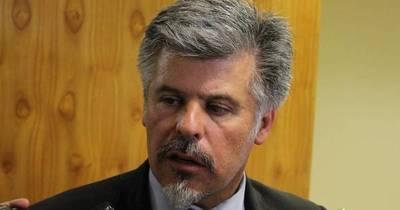 La Nación / Ministro del Interior Giuzzio se aferra al cargo pese a nula gestión