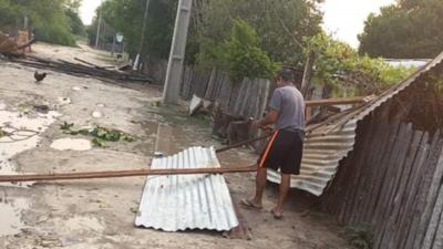 Temporal destechó viviendas, derribó arboles y una antena