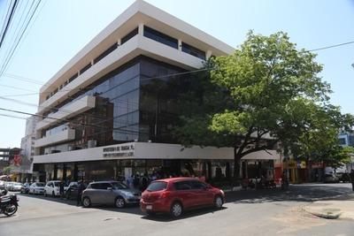 Trabajadores recibieron más de G.1.200 millones a través de mediación del Mtess