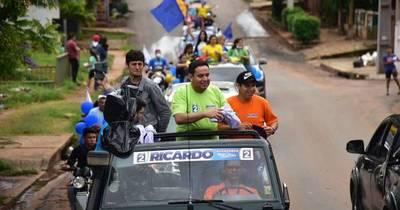 La Nación / Con sendas caravanas, Estigarribia y Lesme cierran su campaña y aguardan las elecciones