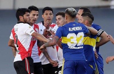 Con Robert Rojas como pilar, River se impone a Boca Juniors
