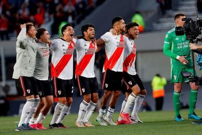 River Plate derrota a Boca Juniors y alcanza la cima