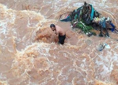 Desaparece menor de 2 años en las aguas del arroyo ACARAY-MI