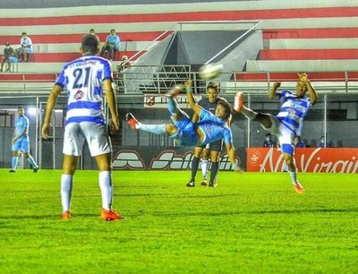 """Crónica / Diego """"Chino"""" Martínez. Con el fútbol no se jode"""