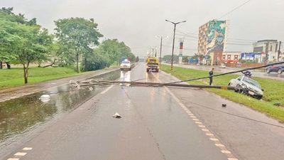 Una serie de accidentes de tránsito durante una tormenta en el Este