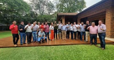 La Nación / La ANR presenta candidatos en el departamento de Canindeyú