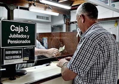 Hacienda comunicó que más de 35.000 adultos mayores fueron incorporados al programa de pensión alimentaria