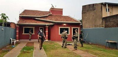En operativo conjunto entre Senad y policía brasileña, caen ocho miembros del PCC