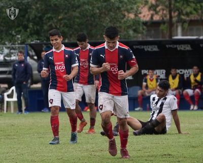 Cerro Porteño y Guaireña FC escoltan al líder de la Reserva, Olimpia