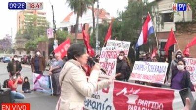 Manifestantes exigen que Abdo ejerza la soberanía sobre Itaipú