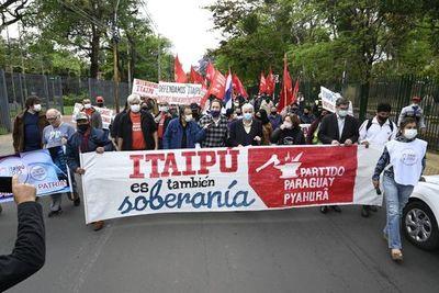 """Agrupaciones políticas exigen que Paraguay defienda soberanía de Itaipú y no regale energía a """"precios ridículos"""""""