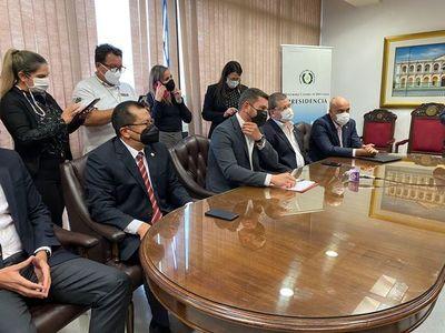 Honor Colorado acompaña aumento exigido por docentes y mayor presupuesto para Salud