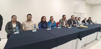 Airaldi ratifica que sigue en carrera, tras fuga de liberales a carpas de Prieto